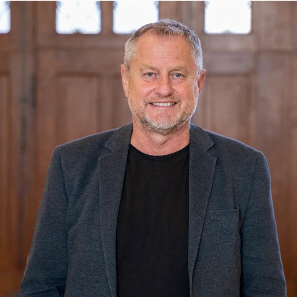Mit Klick auf dieses Bild von Prof. Dr. Stefan Hencke beim GPRA-Podcast gelangen Sie zum Beitrag.